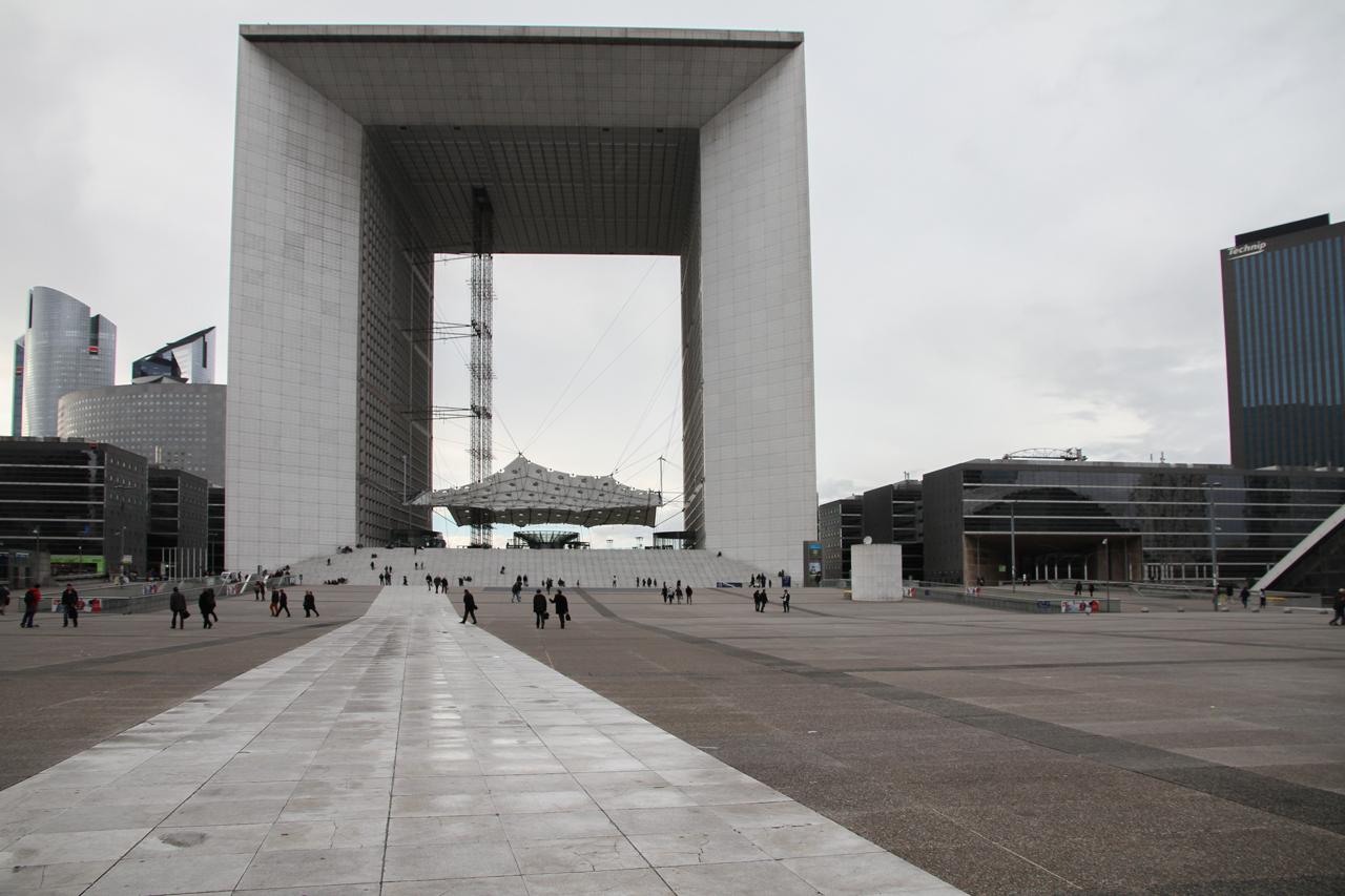 Grande Arche Grande Arche in Paris - The biggest and less loved Celebrative Monument