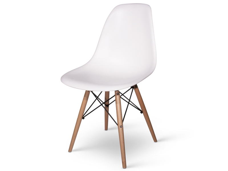 A selection of the most famous and influential chairs of for Chaise dsw eames