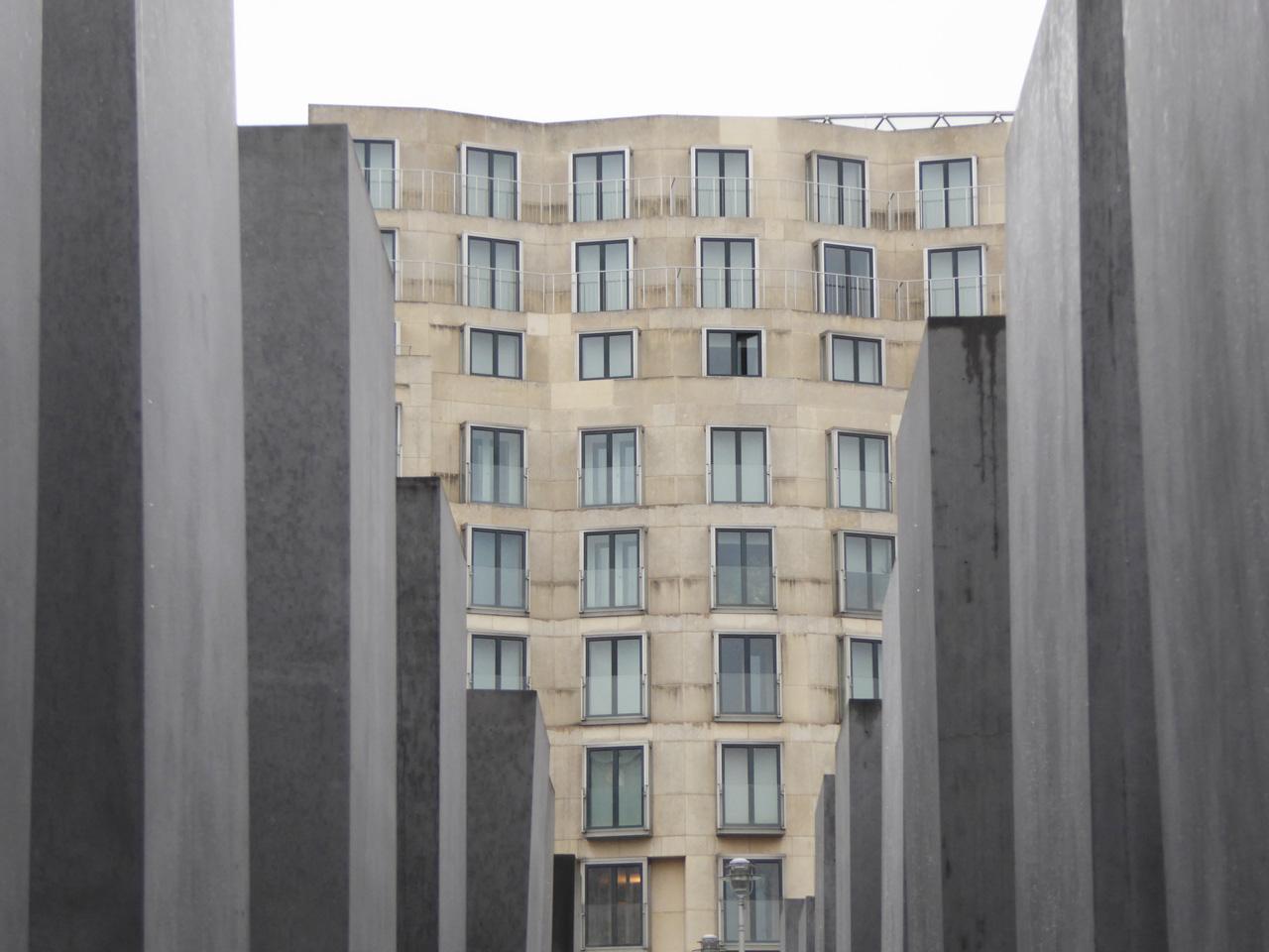 holocaust-Manhal-Eisenman-Ghery