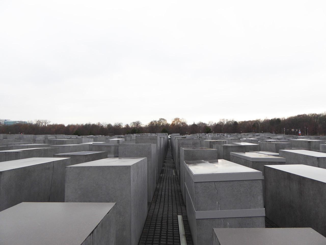 holocaust-Manhal-Eisenman-berlin Memorial to the Murdered Jews of Europe - Peter Eisenman