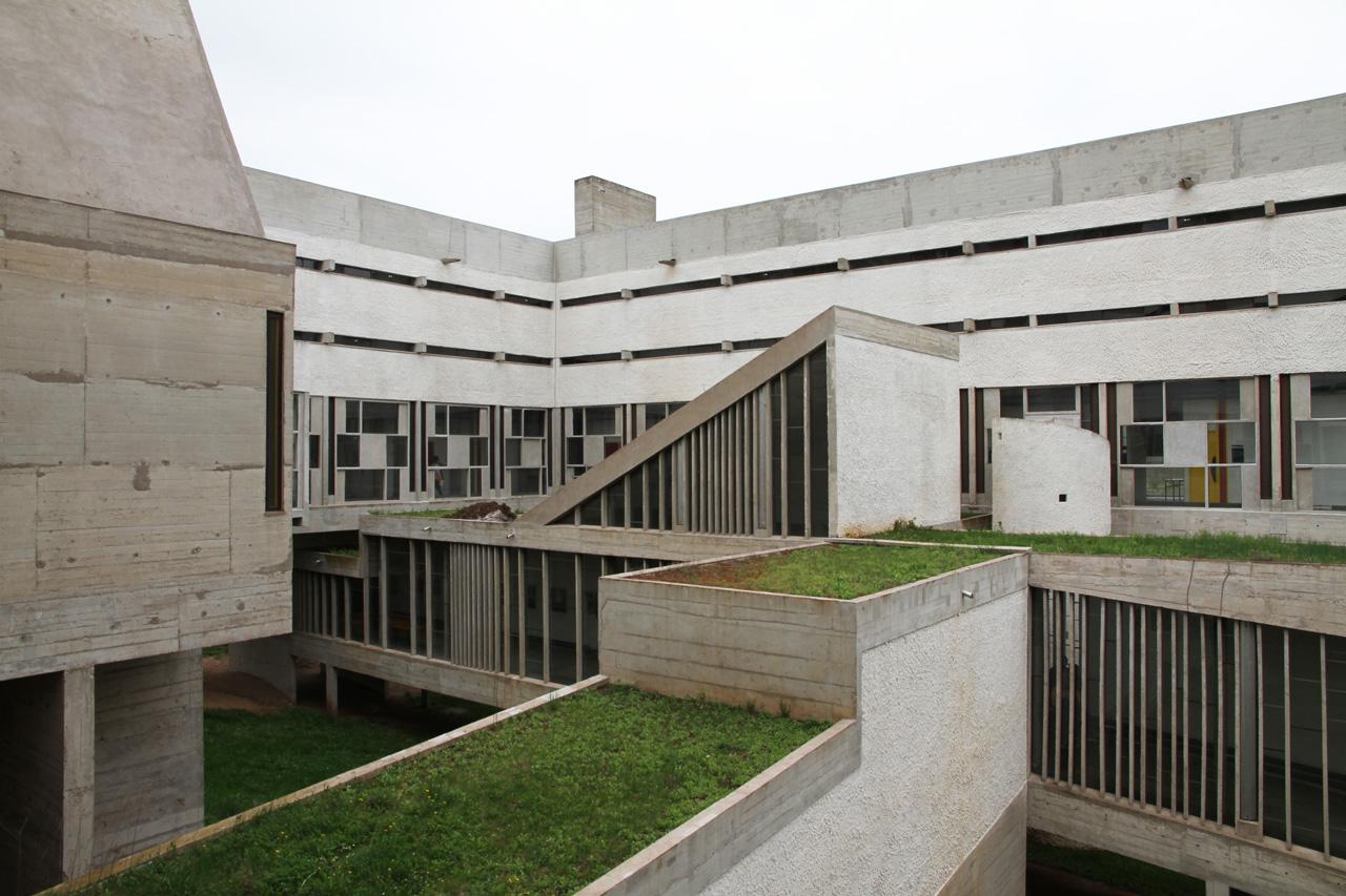 Le Corbusier Couvent de la Tourette - Le Corbusier's Masterpiece or something else?