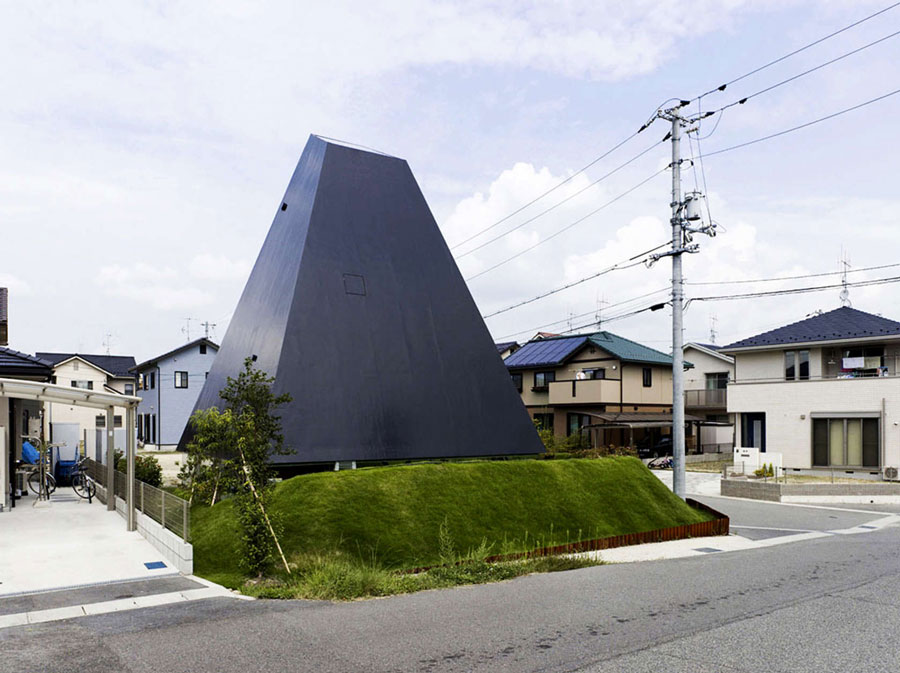 Weird Architecture (15) Weird Architecture: 18 Buildings that go beyond Architecture
