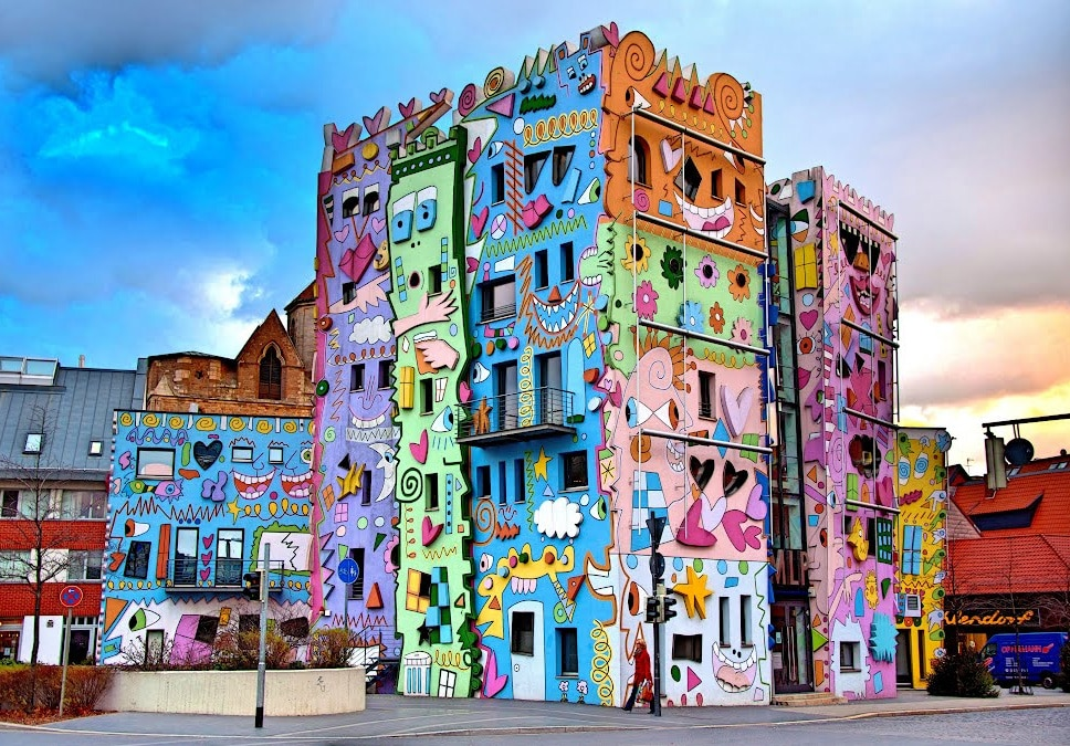 """""""Happy Rizzi House"""", Braunschweig, Alemanha Colorful Architecture, 9 Great """"projects"""" that know how to use it"""