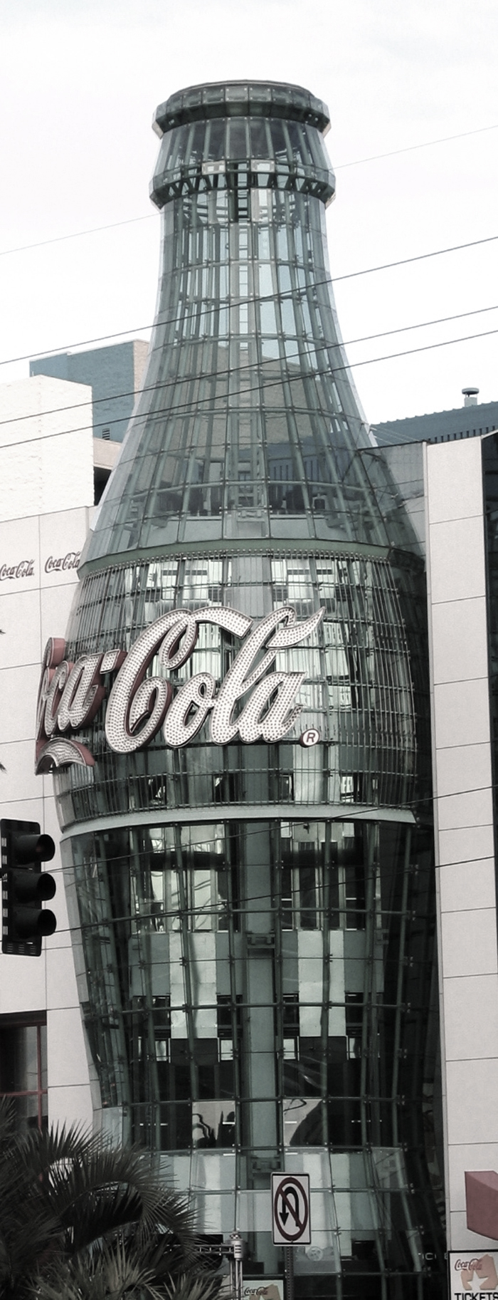 The-World-of-Coca-Cola,-Pemberton-Place,-Atlanta,-USA