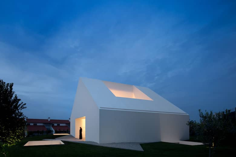 House In Leiria by Aires Mateus, Photo by Fernando Guerra s